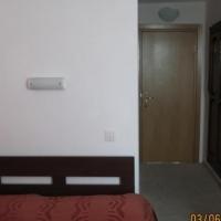 thumb-p56409f4fa08a24469-18399093.jpg