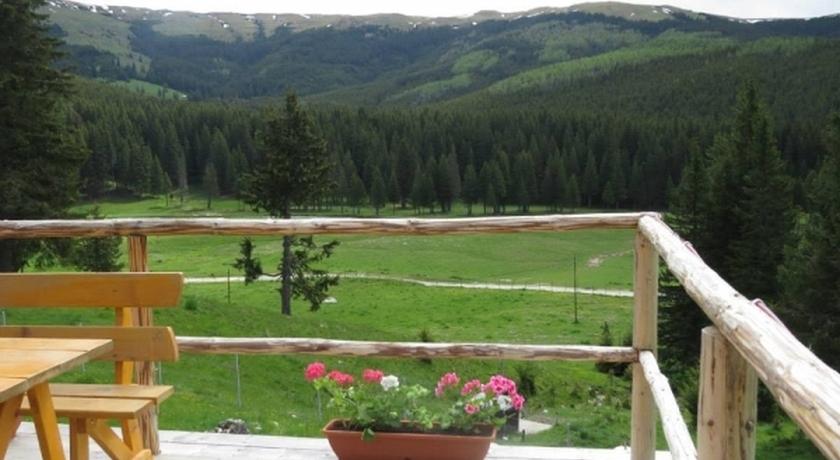 Imagini pentru cabana belvedere pestera ialomicioara