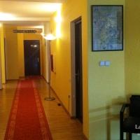 thumb-lazar-rooms-01.jpg